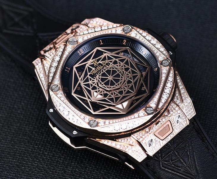 Replica Hublot Big Bang Sang Bleu King Gold Pave Diamond Price